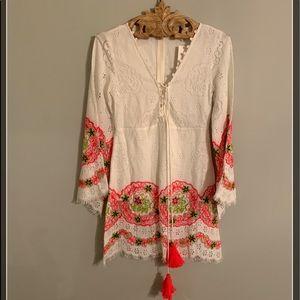Hemant & Nandita White Lace Dress. Size Small.